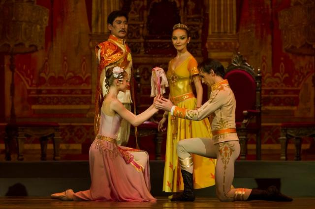 2011-katya-and-prince-of-siam (25)